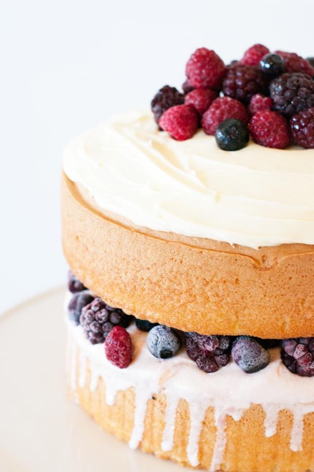 Frozen Berry Sponge Cake 1