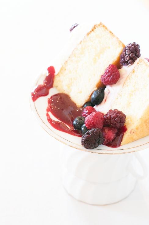 Frozen Berry Sponge Cake 3